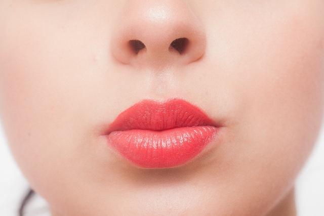 「春色リップ」が映える唇に!くすみ解消習慣&メイクでカバーする方法