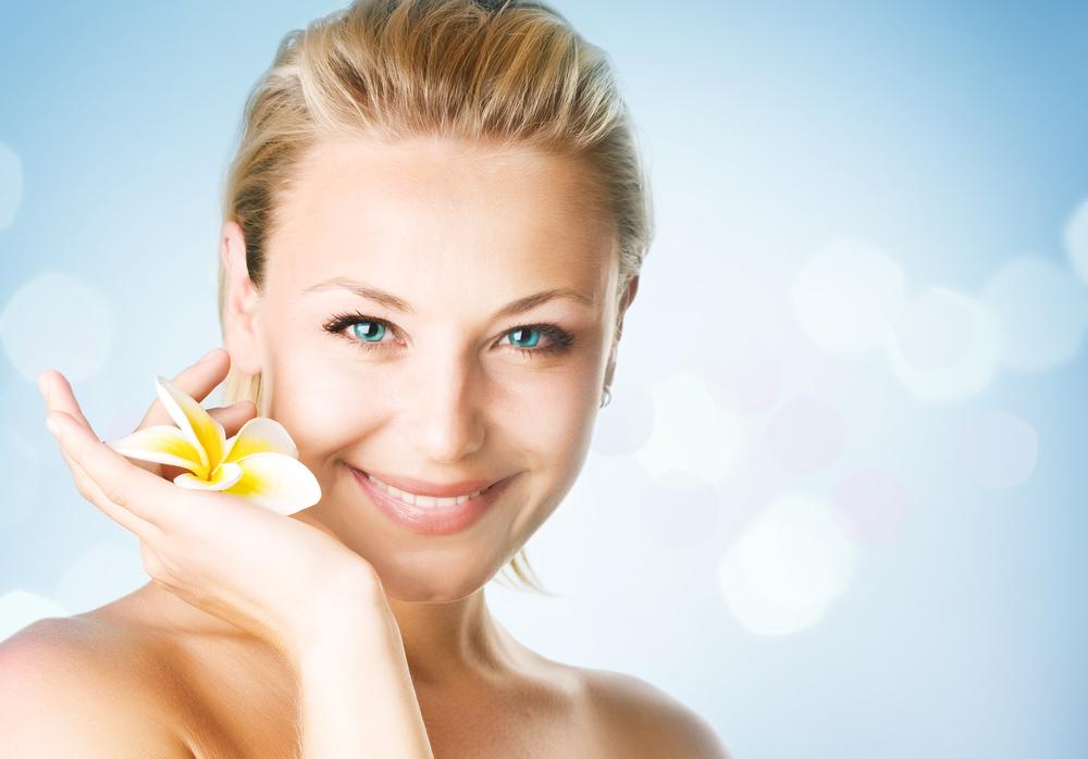 「寝る前スマホ」の後に!美肌をつくるリラックス方法5選