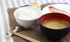 美肌のキホン「味噌汁」にあり!「飲む美容液」に進化させる食材3つ