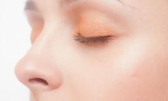 顔・首のシワ解消に効果アリ!?見た目年齢−5歳の「縦横マッサージ」