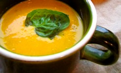 野菜嫌いのお子さまもペロリ!?余り野菜の「節約ご馳走スープ」