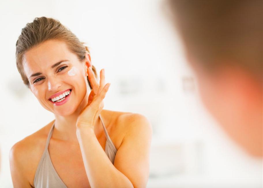 しわ・シミ、ニキビまで!?洗顔でも使える「馬油」の効果・使い方5つ