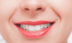 唇の「乾燥縦ジワ」で老け見え!?リップの選び方&保湿の小ワザ