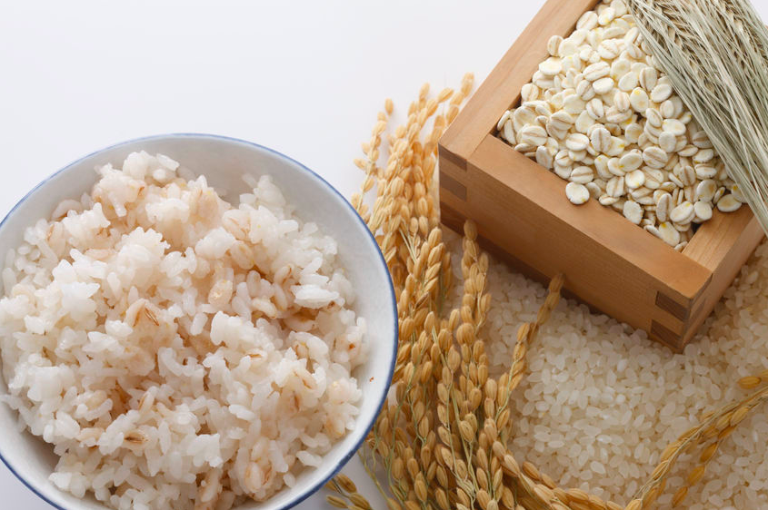 「朝大麦」でヤセ体質に!?スムージーなど簡単1週間レシピ