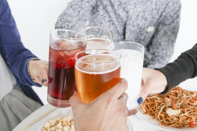 忘年会・新年会時期に!「飲み過ぎ食べ過ぎに押したいツボ」