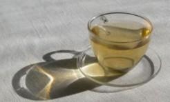 「杜仲茶」効果で基礎代謝UP!?アンチエイジングブレンドレシピ2つ
