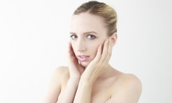 毛穴レスで美肌!加齢や乾燥でパックリ開いた毛穴を引き締める方法