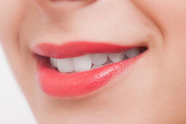 カサカサ唇は胃腸のSOS!?タイプ別の原因と対策方法