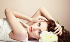 30代必見!美容ライターが選ぶ新作「上品生肌ファンデ」3選