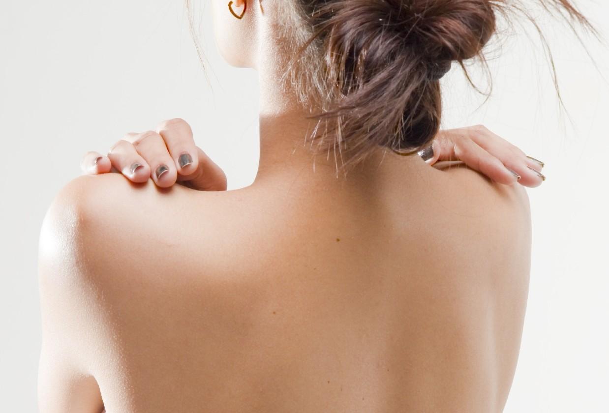 二の腕からお尻まで!締まった「後ろ姿」になる体幹エクサ
