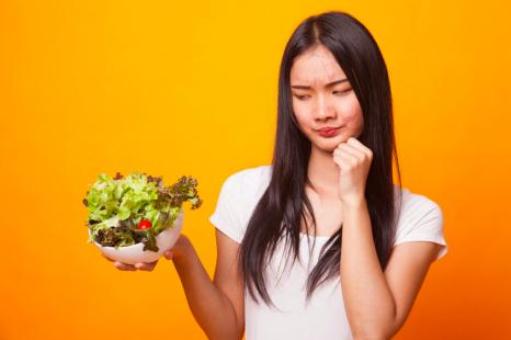 実はそれ「老化サラダ」かも!?「NGドレッシング」とおすすめオイル3つ