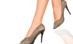 脚のむくみは「スネの疲れ」が原因!?美脚になれる「すねストレッチ」
