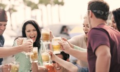 野外アルコール要注意!?紫外線からお肌を守る食べ物3つ