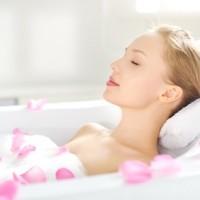 お風呂で3分!浮力を使って簡単「体幹&二の腕強化エクサ」
