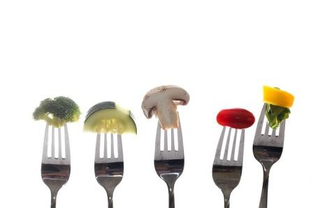 ポッコリお腹こそ効果アリ!?万能ダイエット食「エノキ氷」の作り方