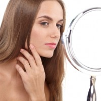 汗・皮脂対策!美容家おすすめ30代からの「夏マスカラ」3選