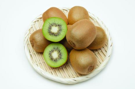 たった1個でリンゴ5個分!?若返りフルーツ「キウイ」の魅力