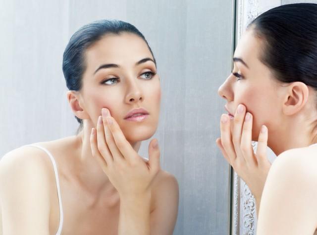 ゴワつき肌サヨナラ!美容家が実践する春の「角質ケア」3選