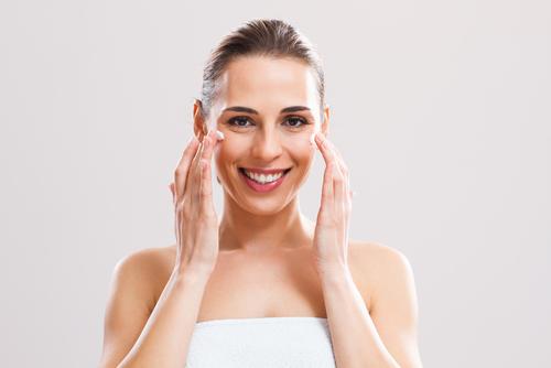 カサカサ肌にオイル美容!バームとオイルの使い分け方法