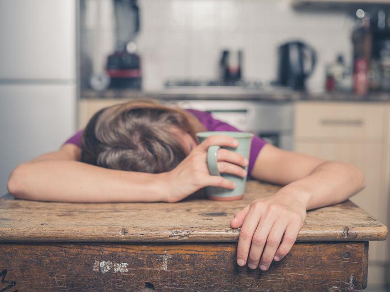「寝ていると足がつる」はエイジングのせい?原因と対策方法