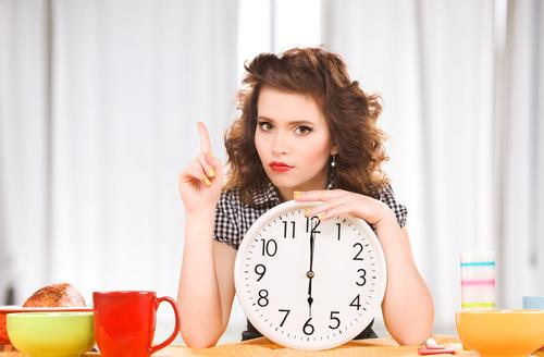 サラダは身体に悪い!?「胃腸が疲れやすくなる」NG食習慣