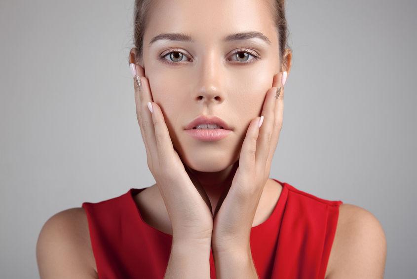 春の敏感肌に◎美容ライターおすすめ「今すぐできるケア法」