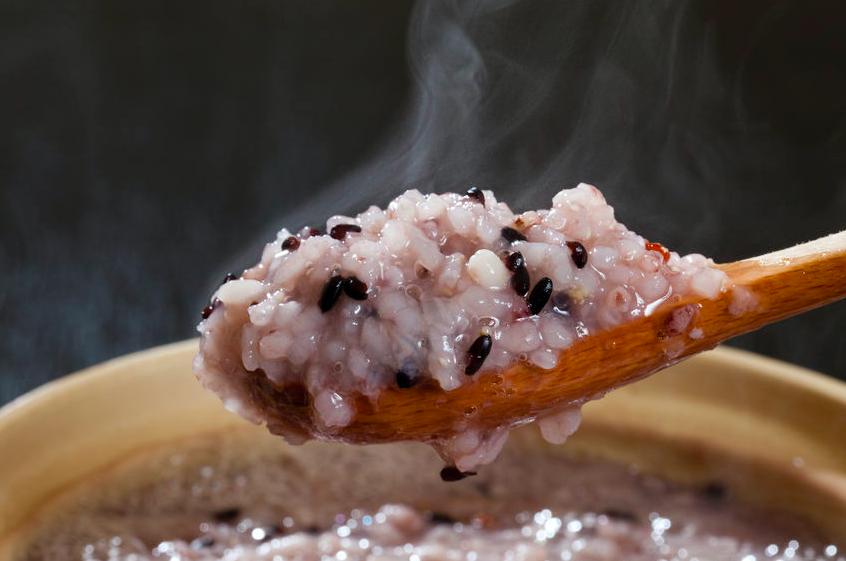 スーパーで買える雑穀で作れる「最強ビューティー粥」レシピ