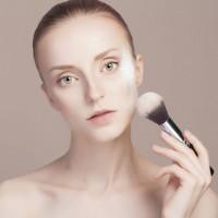 くすみ・紫外線に対抗!30代におすすめ春夏化粧下地4つ