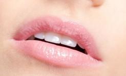 30代・40代のくすみ唇をうるうる補正!高機能リップ3選