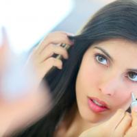 肌悩み別、くすみを払拭して透明感をアップするチーク4選