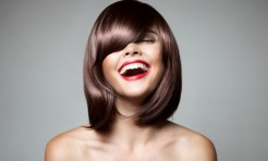 夏のパサつきヘアもまとまる!注目スタイリング剤3選