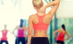 うつむき姿勢が癖の人に◎つらい肩コリを解消する動きまとめ