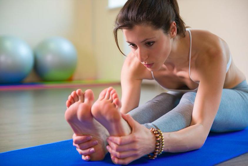 下半身を鍛えながら筋肉太りしない!「お尻歩き体操」とは