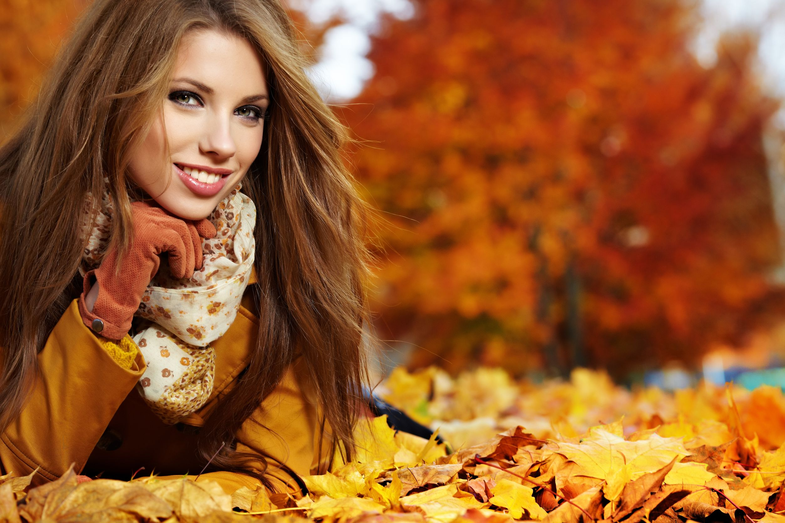 14692496 - young woman portrait  in autumn park