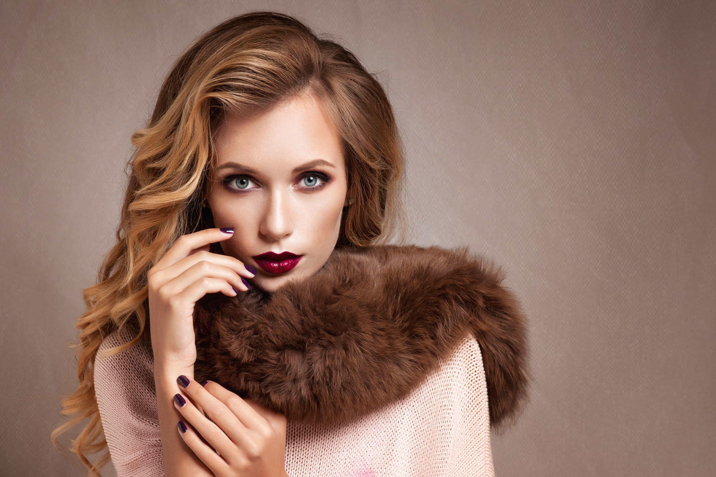 45089941 - beautiful woman in luxury fur coat