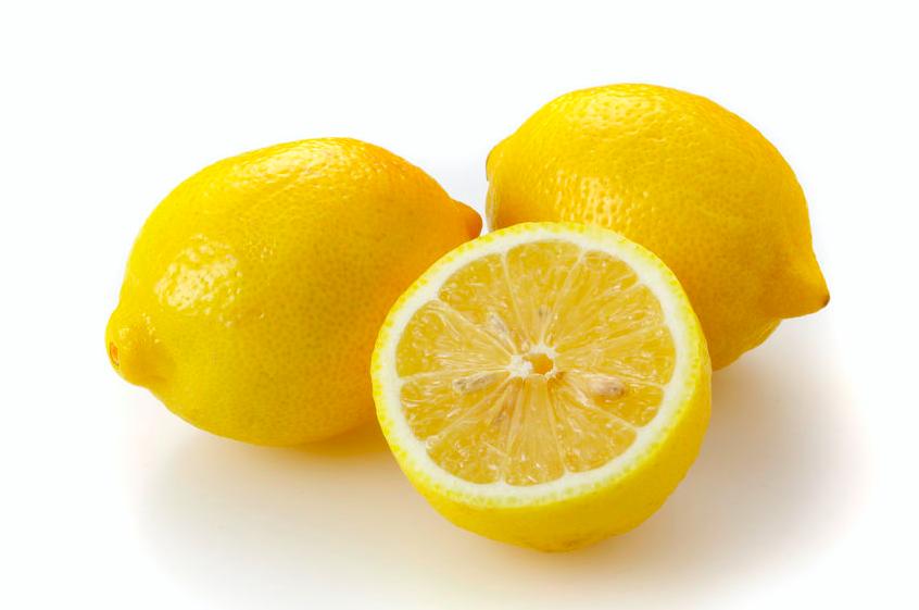 毎日レモンで若返る!?「朝、しぼりたて」と「皮ごと」が◎