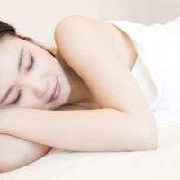 美容液いらず!?良い睡眠のための3か条と寝る前3分ほぐし