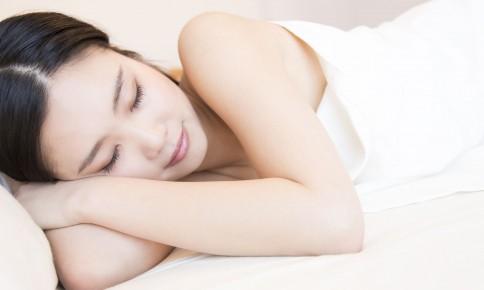 """美と健康は良い睡眠から!若々しさを育む""""美習慣""""とは"""