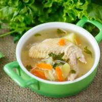 暴飲暴食を防ぐ!余り野菜でできる「デトックススープ」