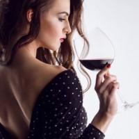 ダイエット中でも◎!今知りたい「赤ワインの美容効果」3つ