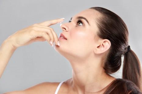冬こそ目立つ、鼻の頭のポツポツ毛穴を優しくオフする方法