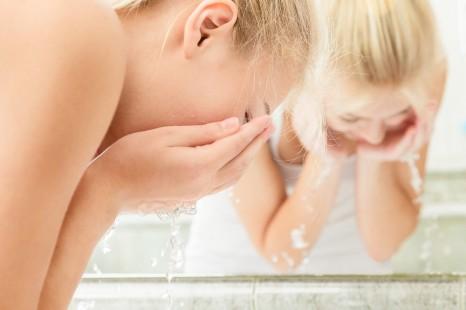 顔を洗いすぎてない?潤う洗顔のコツとおすすめ洗顔料3選