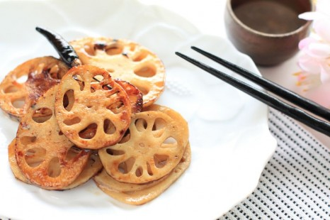 18762397 - stir fry lotus root on white dish for japanese cuisine image