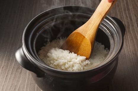 炊飯器より上!? 「土鍋」でごはんを美味しく炊くコツ4つ