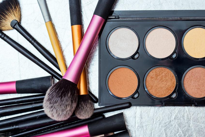 52781911 - makeup tools