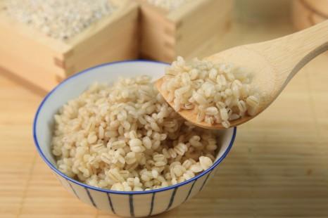 雑穀の専門家が伝授!もち麦の「冷凍小分け」活用レシピ4つ