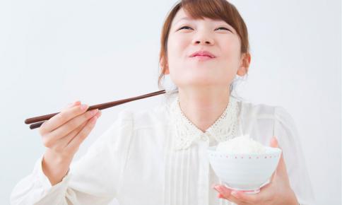 ふっくらごはんで幸せを!選ぶべき「炊飯器」のタイプと利点