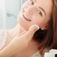 ザラザラ、カサカサ肌に◎健康的な肌に導く「角質ケア」3選