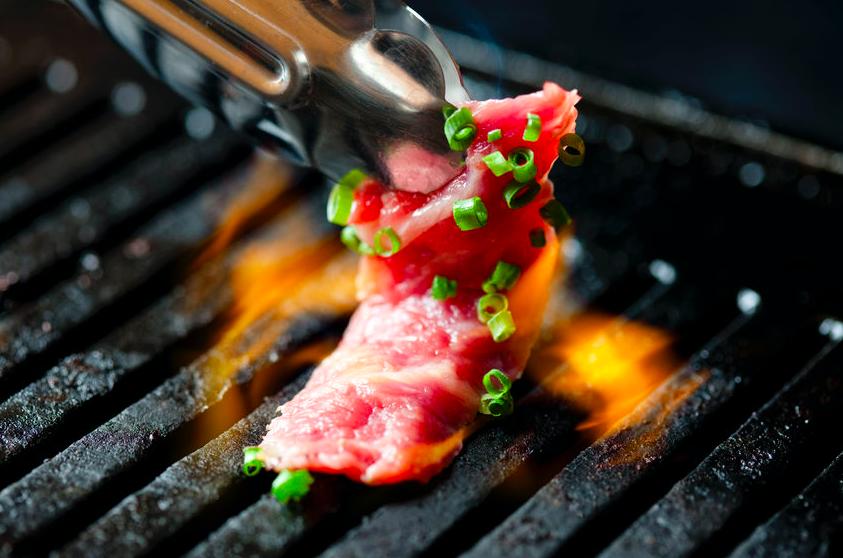 これで脂も心配なし!「ホットプレート」で焼肉を楽しむコツ
