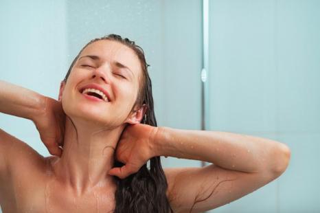 シャワー後に◎身体ぽかぽか保湿対策と特製ローションレシピ